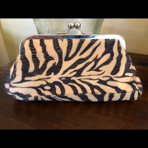 SMALL ANIMAL PRINT CLUTCH